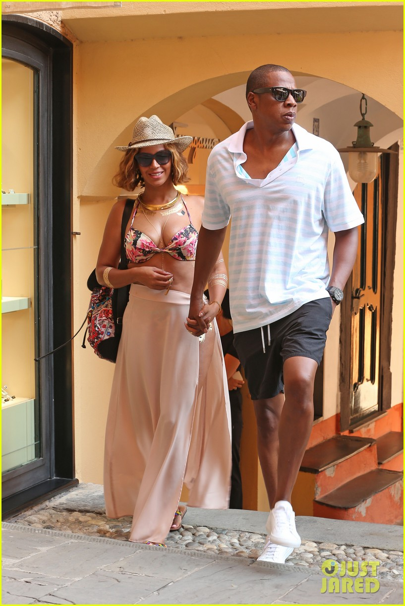 ... wears bikini top jay z portofino 01 | Photo 3190724 | Just Jared Jay Z