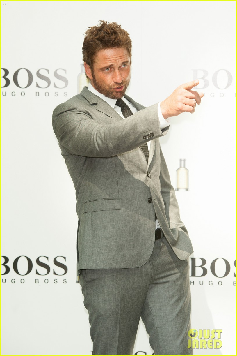 gerard butler unveiled as face of boss bottled 023187710