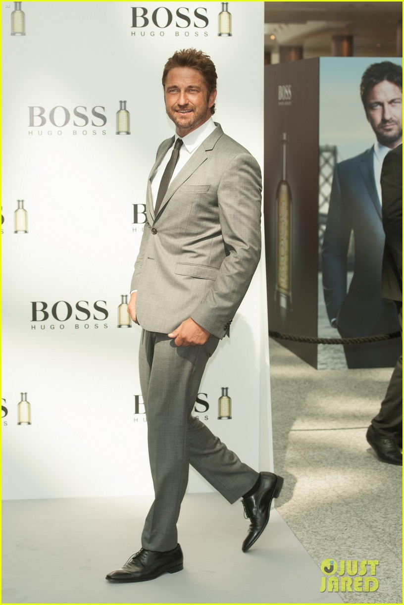 gerard butler unveiled as face of boss bottled 093187717