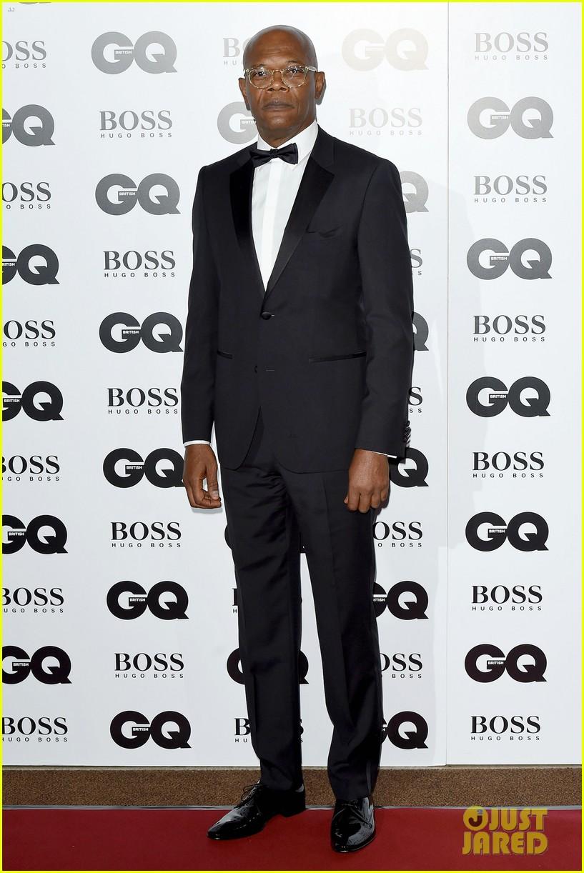 gerard butler makes hugo boss look so good at gq men awards 05