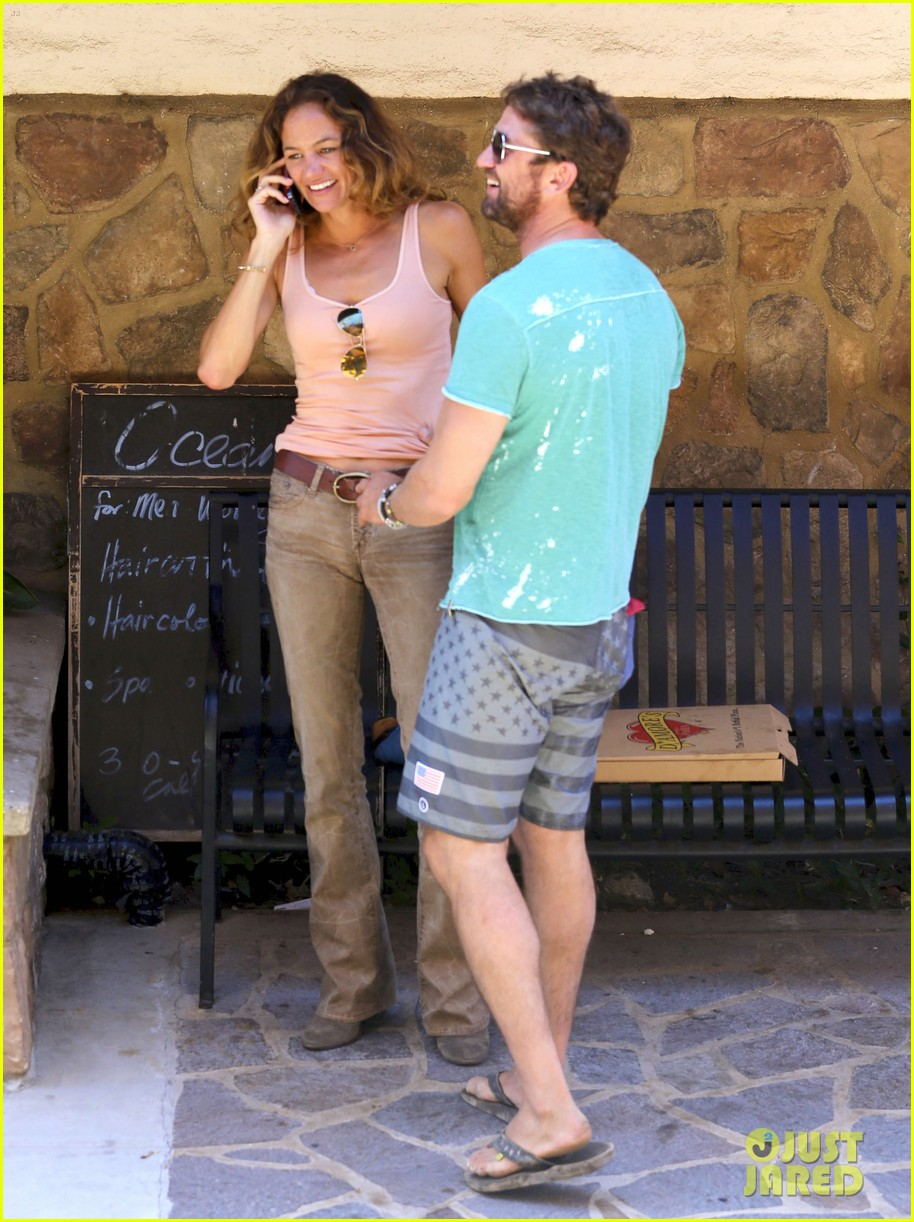 gerard butler makes out with mystery woman again 043187428