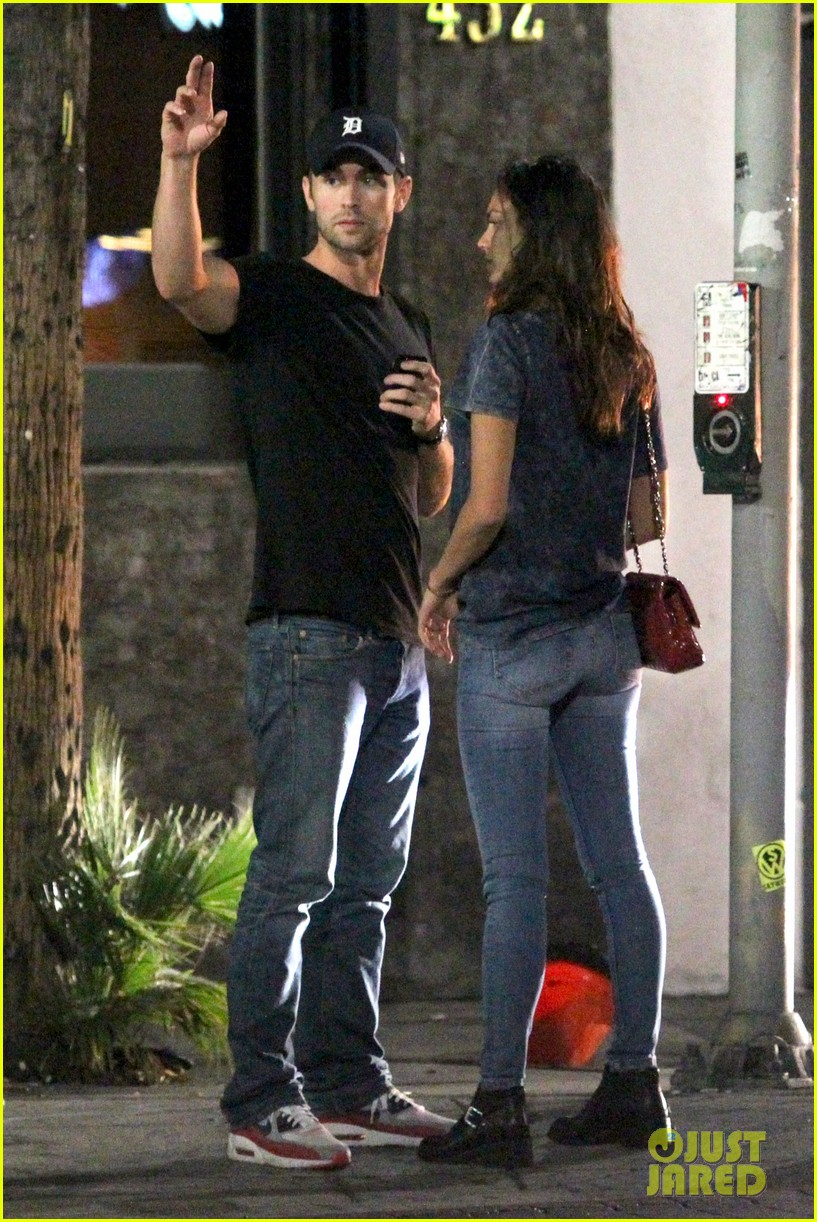chace crawford rachelle goulding hold hands 013187533
