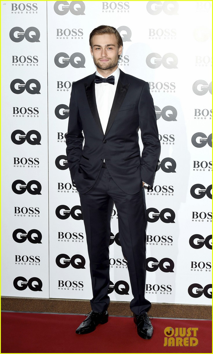 benedict cumberbatch douglas booth gq men of the year awards 2014 063188075