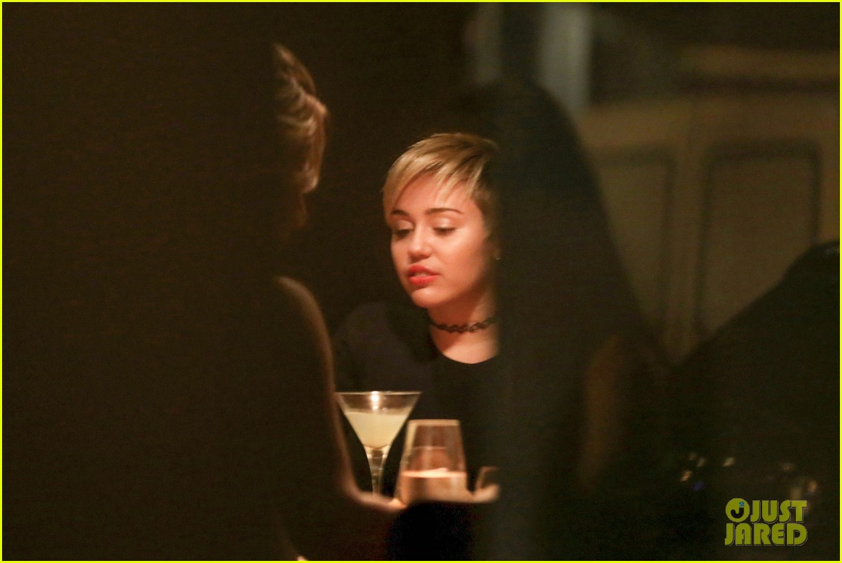 miley cyrus bares her abs for girls night out 133206839