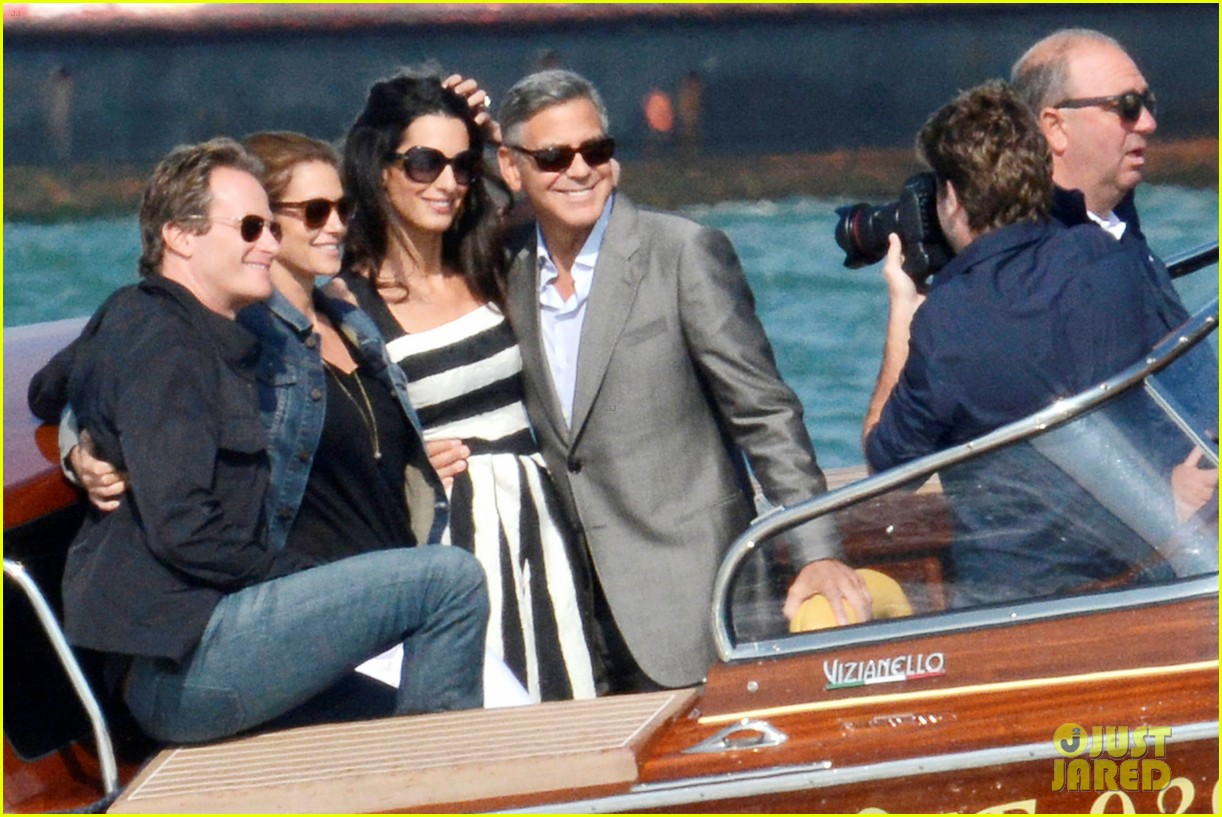 Matt Damon Cindy Crawford Their Significant Others Arrive In Venice For George Clooneys Wedding