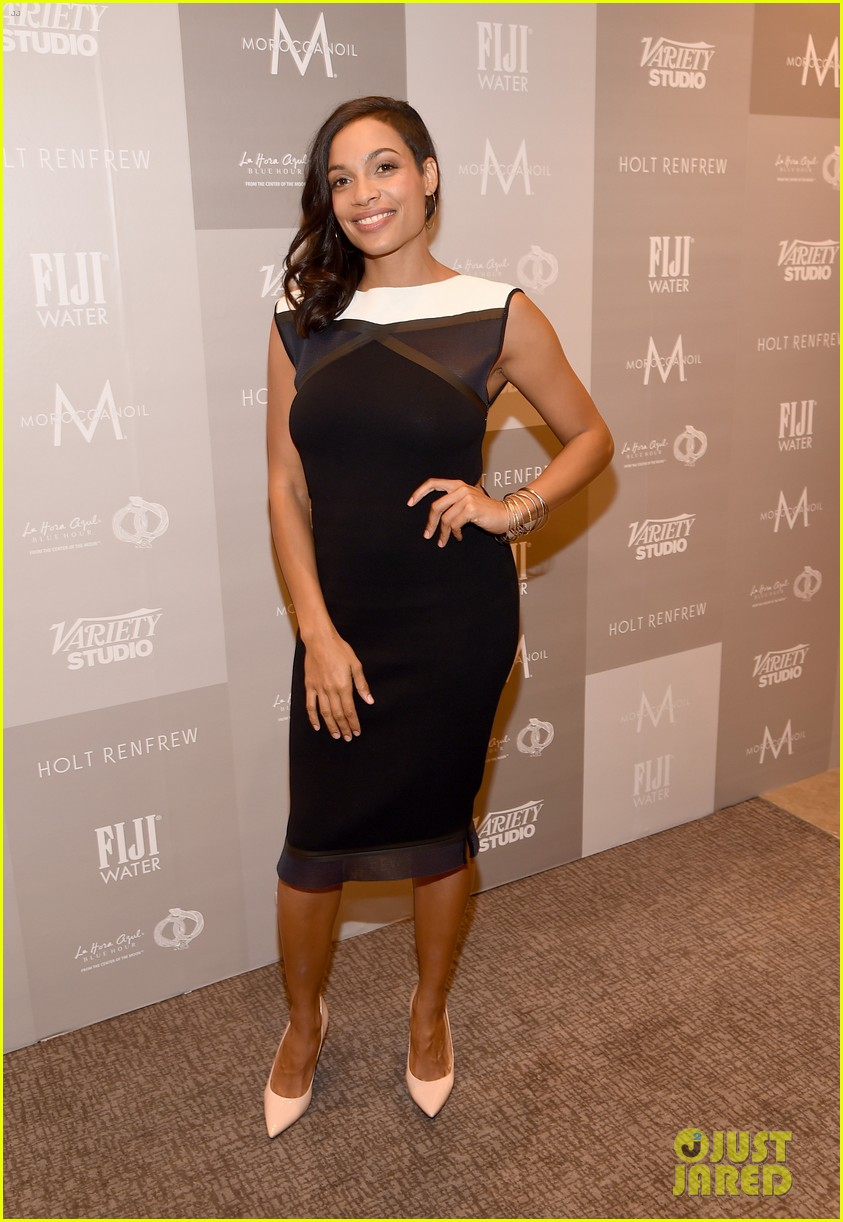 http://cdn01.cdn.justjared.com/wp-content/uploads/2014/09/dawson-rock/rosario-dawson-chris-rock-top-five-tiff-premiere-12.jpg