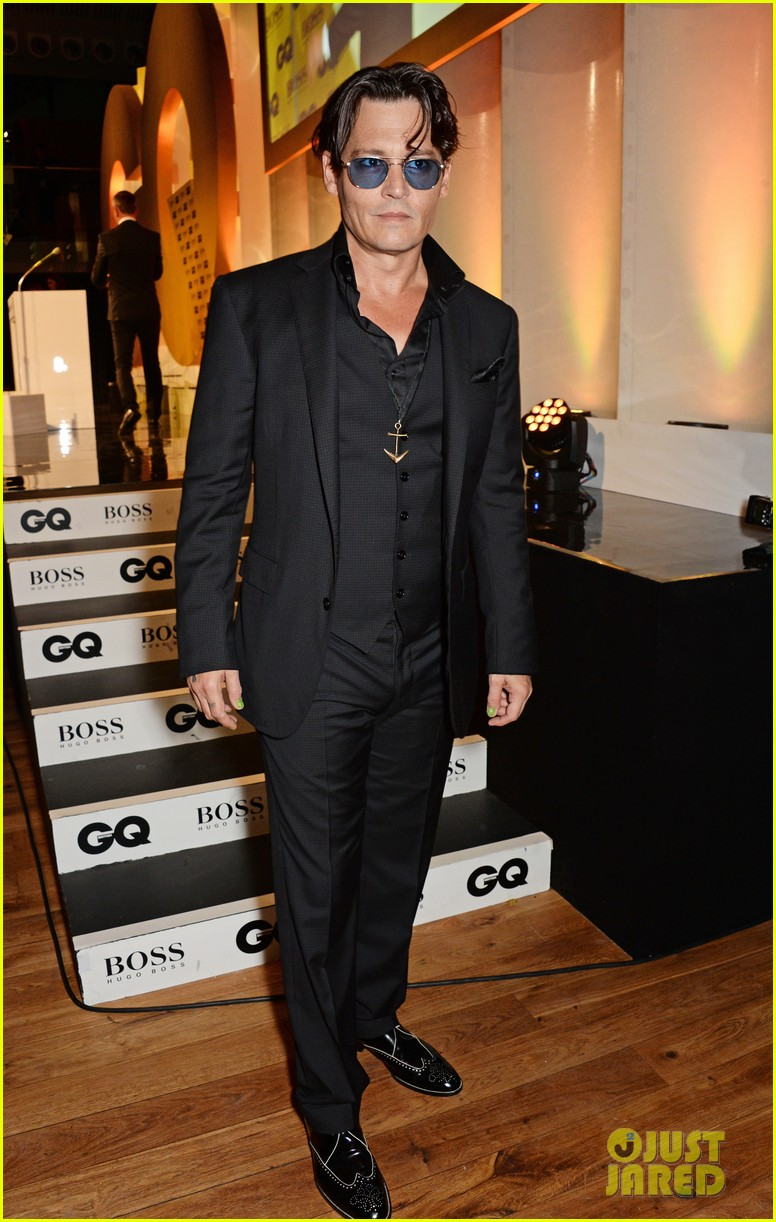 johnny depp presents gq men of the year awards 2014 053188266