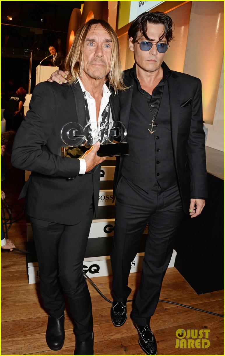 johnny depp presents gq men of the year awards 2014 063188267