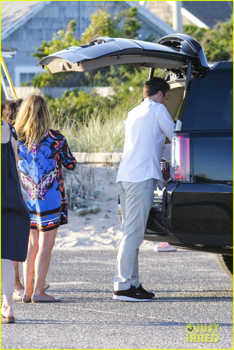 drew barrymore jimmy fallon hang in the hamptons on labor day weekend 083187227