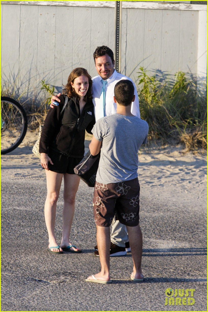 drew barrymore jimmy fallon hang in the hamptons on labor day weekend 093187228