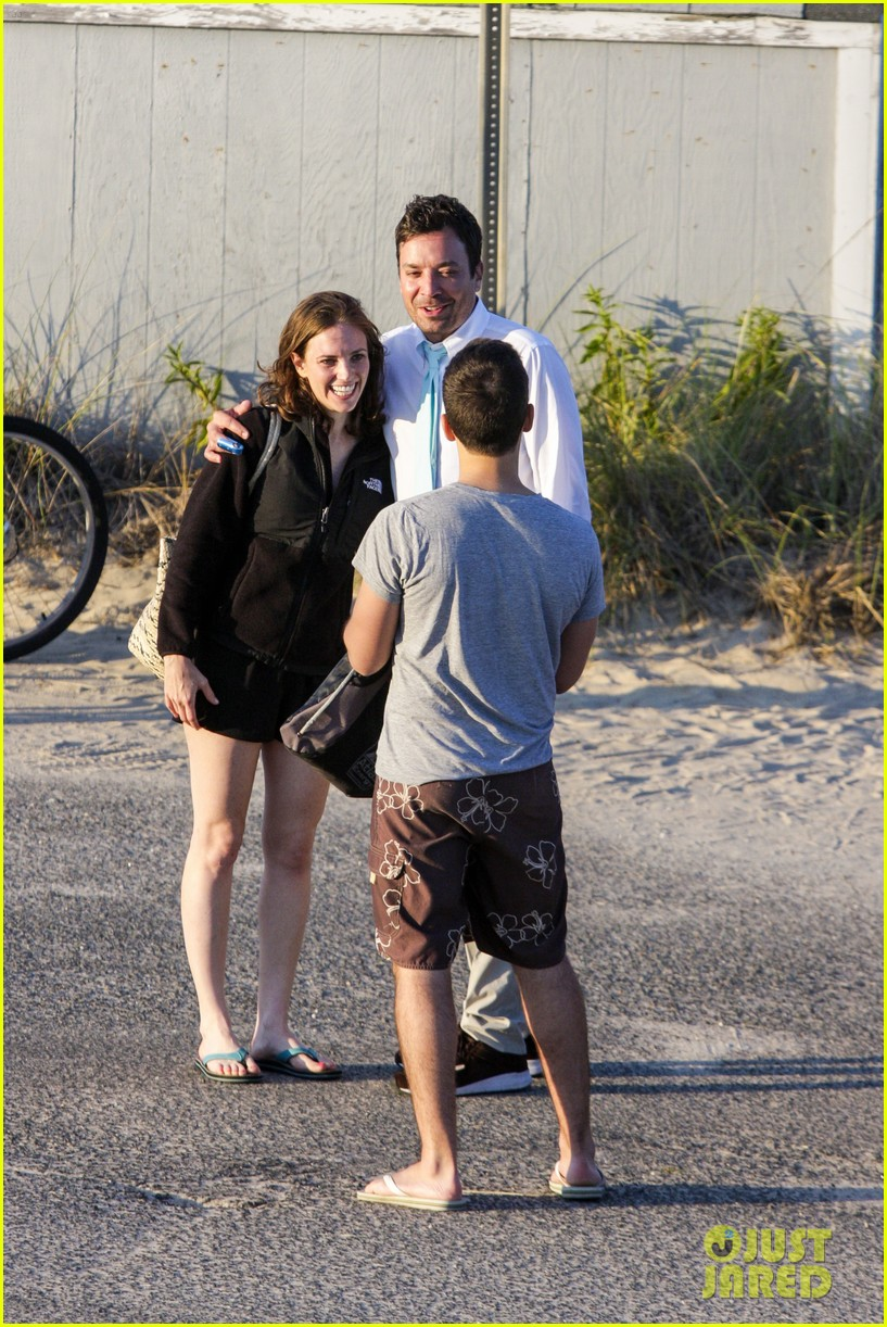 drew barrymore jimmy fallon hang in the hamptons on labor day weekend 103187229