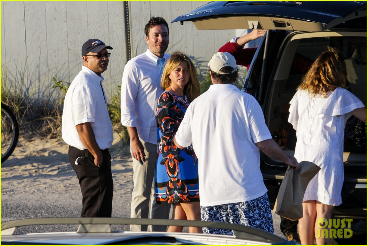 drew barrymore jimmy fallon hang in the hamptons on labor day weekend 213187240