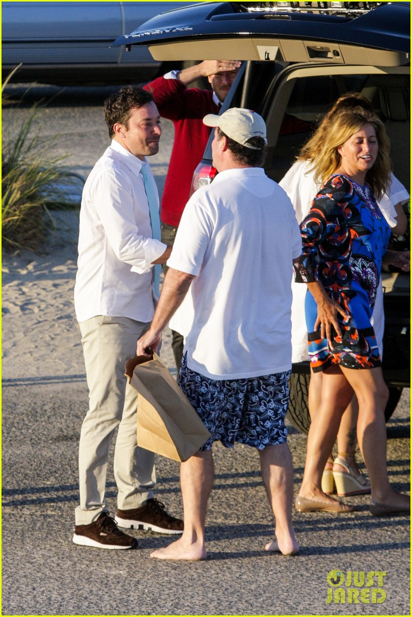 drew barrymore jimmy fallon hang in the hamptons on labor day weekend 243187243