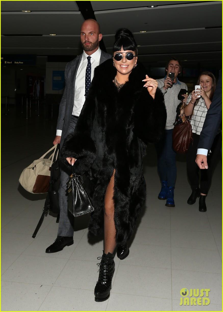 lady gaga reunites with pet pooch asia at lax airport 133187703