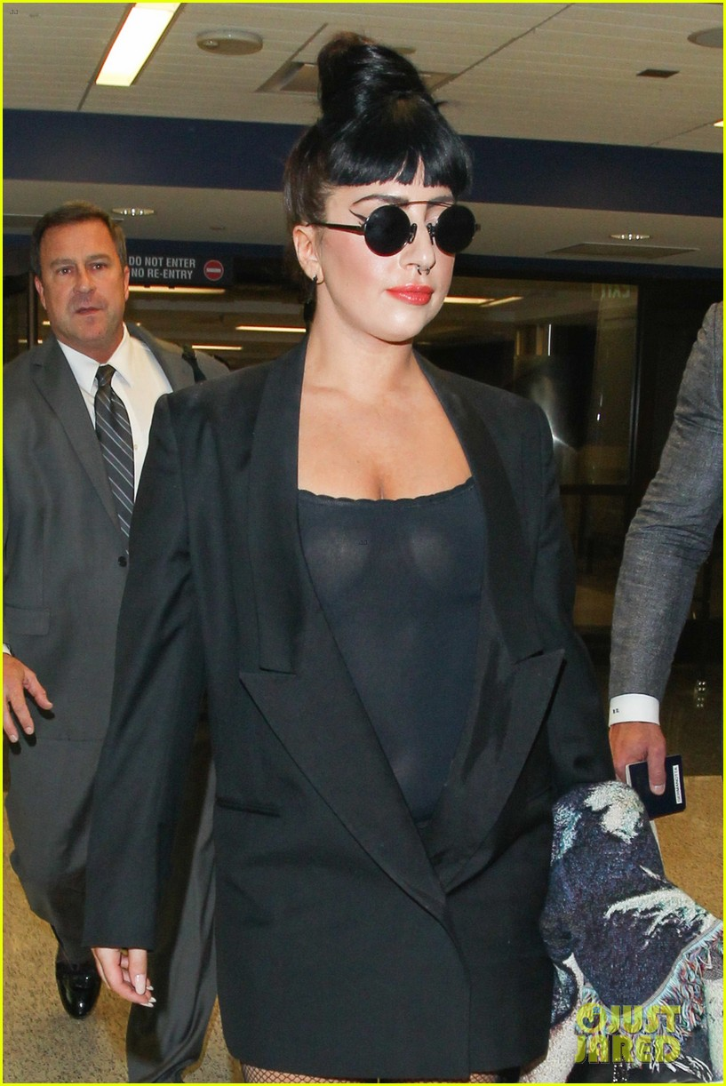 lady gaga reunites with pet pooch asia at lax airport 143187704