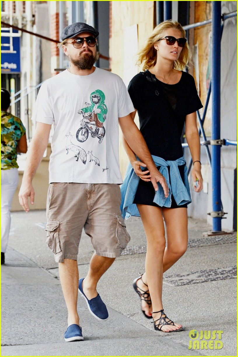 toni garnn cant keep her hands off of leonardo dicaprio 043189242