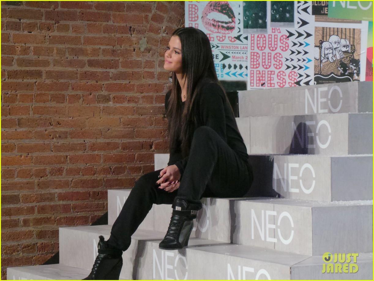 selena gomez adidas neo label show 113188700