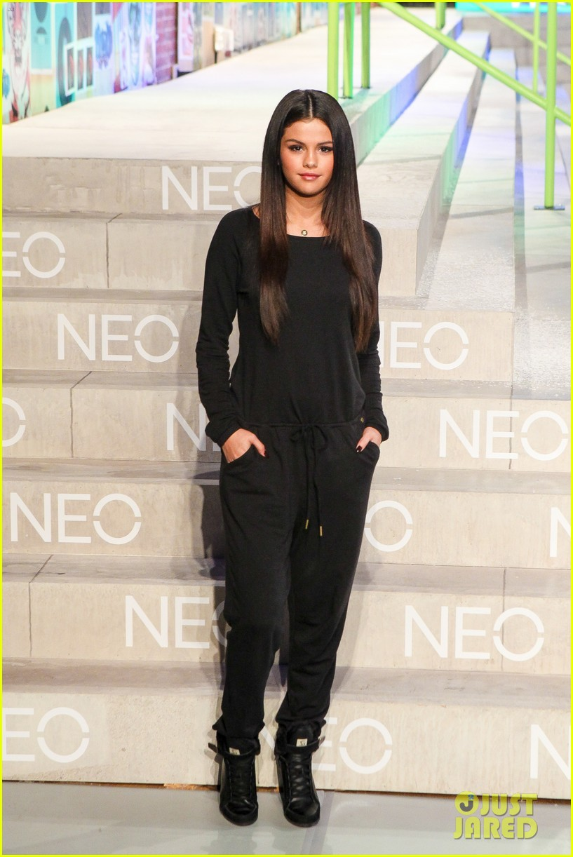 selena gomez adidas neo label show 223188711