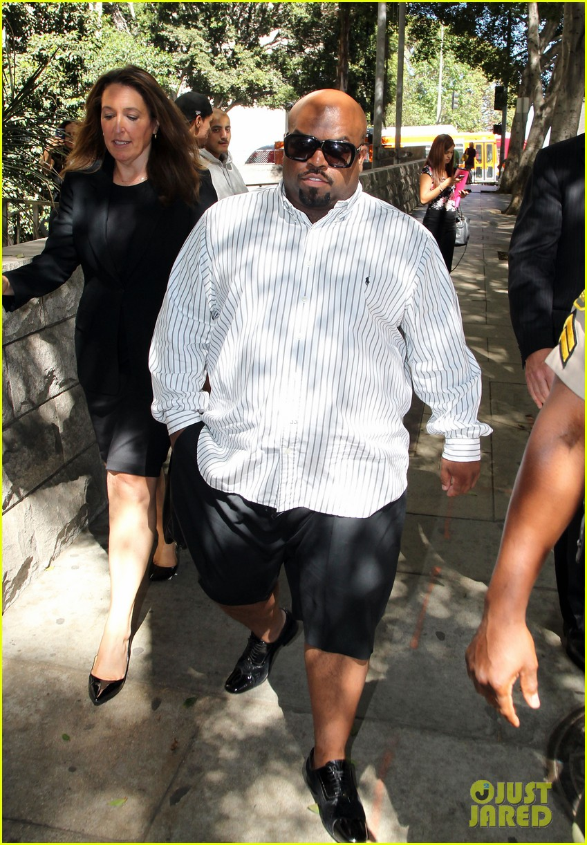 cee lo green tweets controversial views on rape 023187596