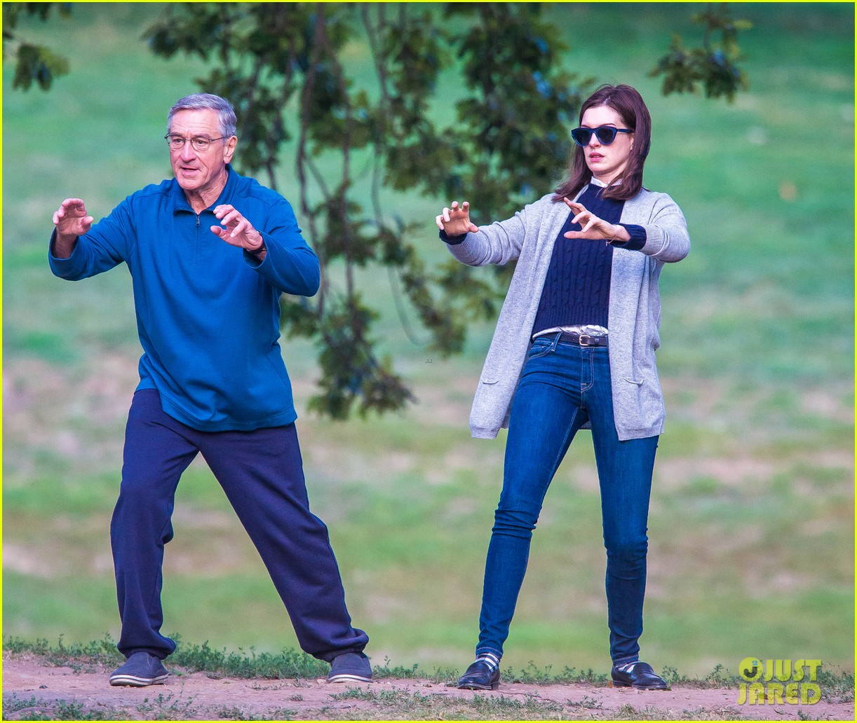 Anne Hathaway And Robert De Niro: Anne Hathaway Does Tai Chi In The Park With Robert De Niro
