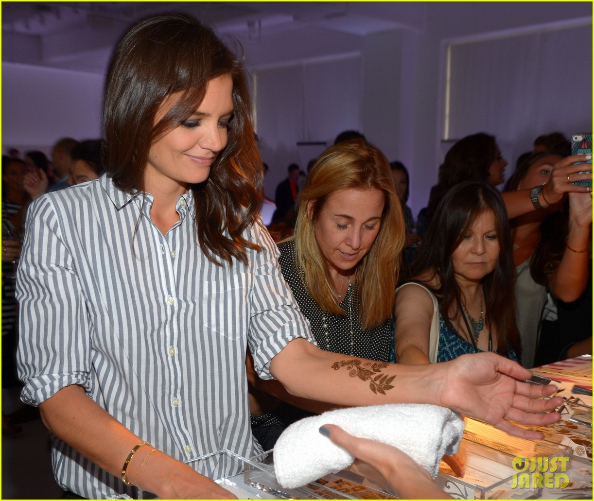 katie holmes gets temporary tattoos at joe zee nyfw event 193189689