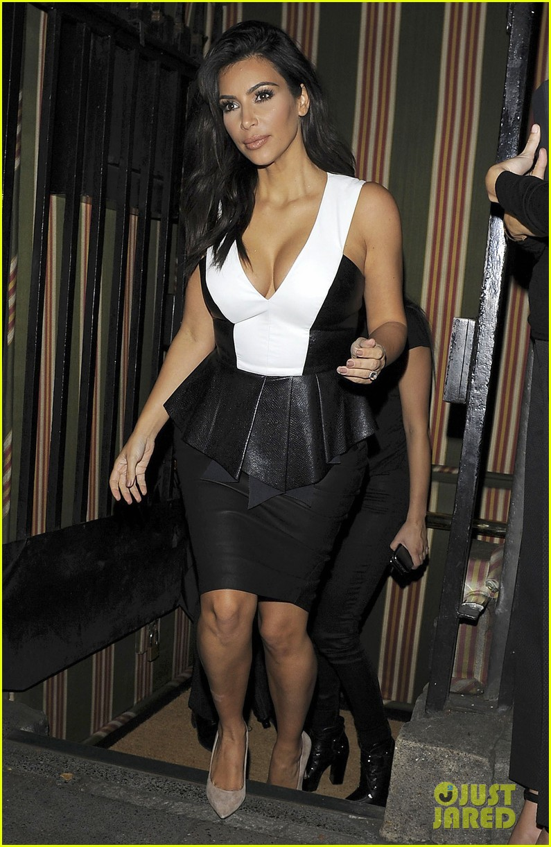 kim kardashian goes butt naked for british gq 013188781