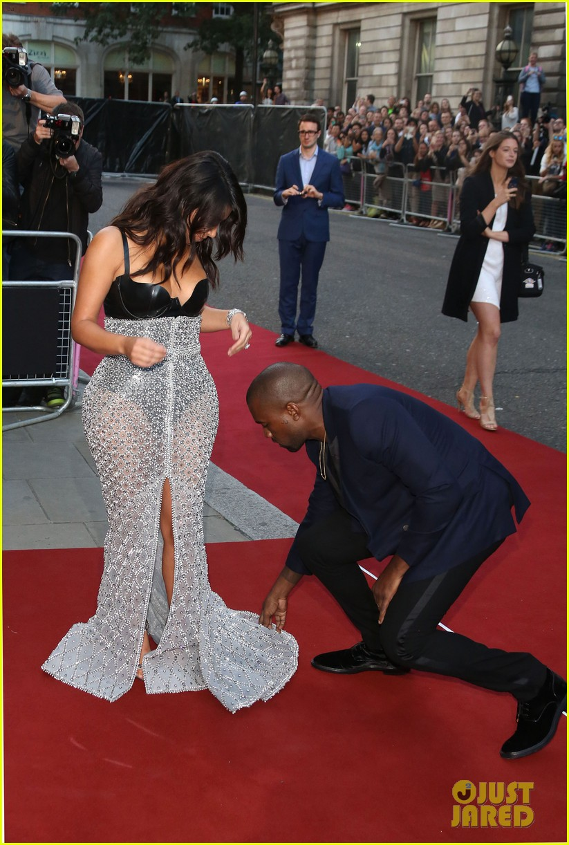 kim kardashian kanye west gq men of the year awards 053188026