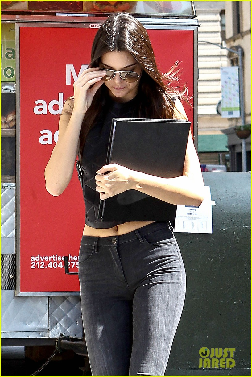 kendall jenner business mtg hailey baldwin kylie 053187966