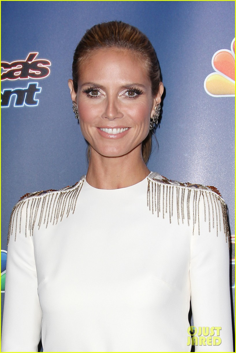 heidi klum americas got talent red carpet show 023189070