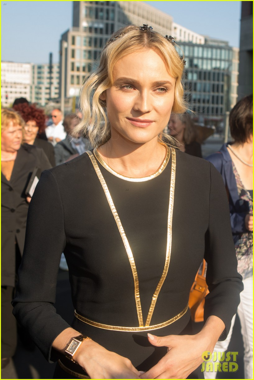diane kruger geta a star on berlins walk of fame 02
