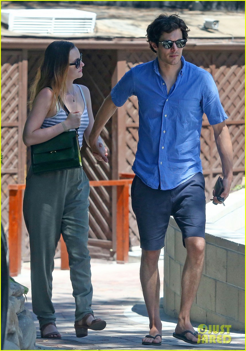 leighton meester adam brody share sweet embrace after lunch 093187293