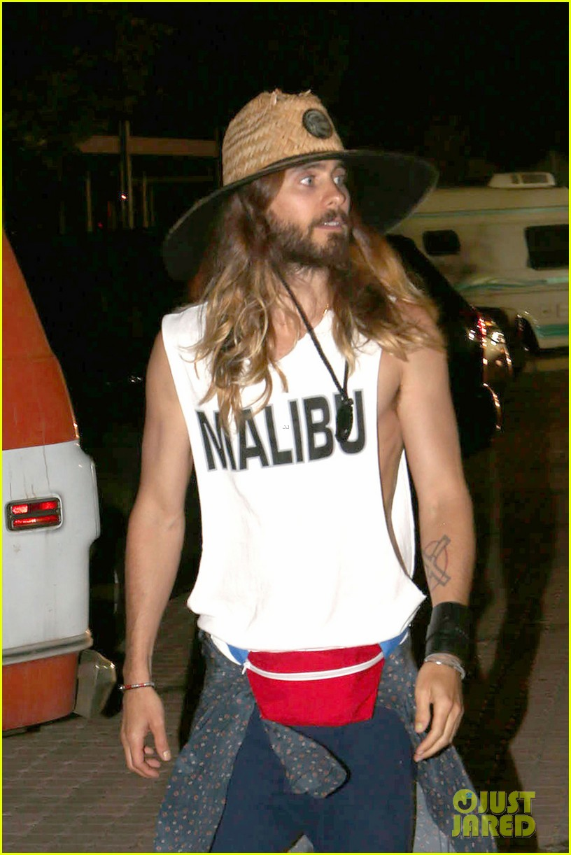 jared leto shows off his guns for target practice at malibu chili cook off 013187729