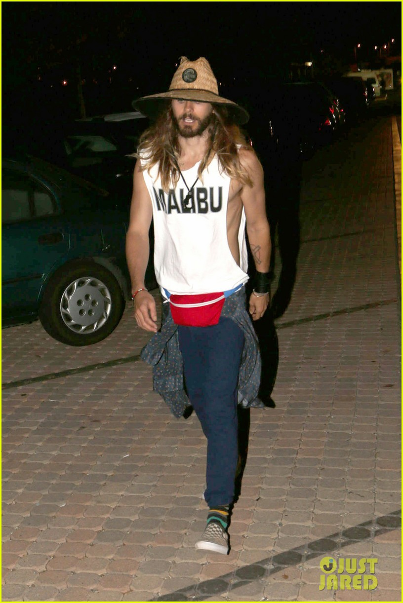 jared leto shows off his guns for target practice at malibu chili cook off 043187732