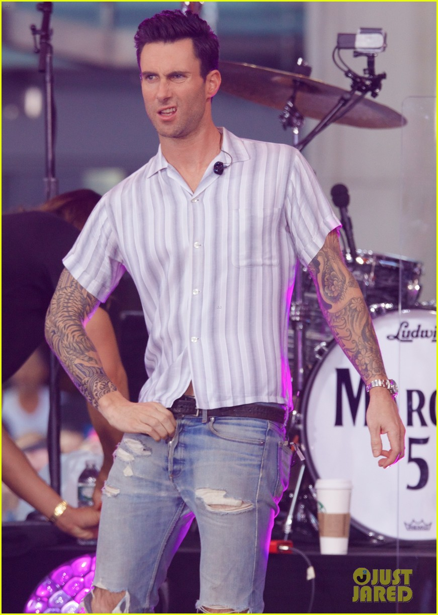 adam levine performs maps with maroon 5 today show 123187440