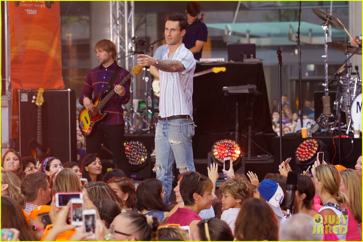 adam levine performs maps with maroon 5 today show 173187445