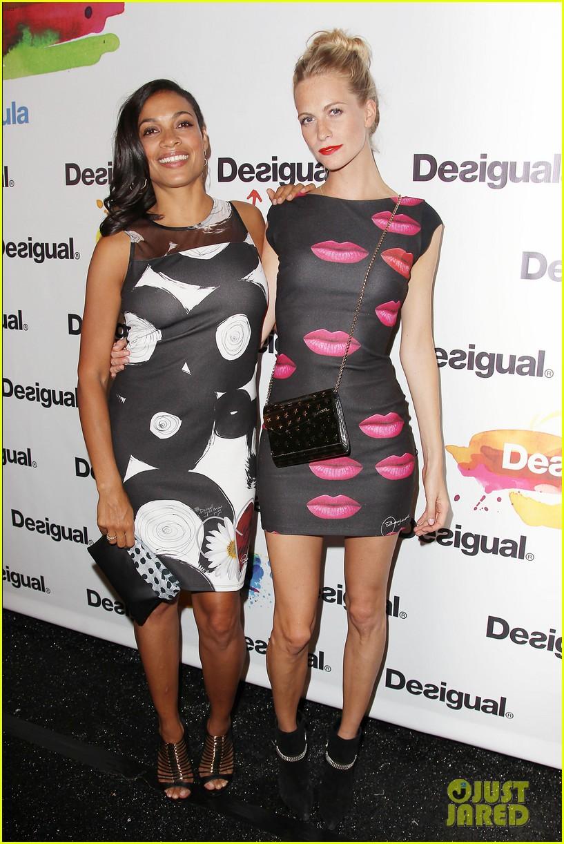 adriana lima walks the runway for desigual fashion show 173189483