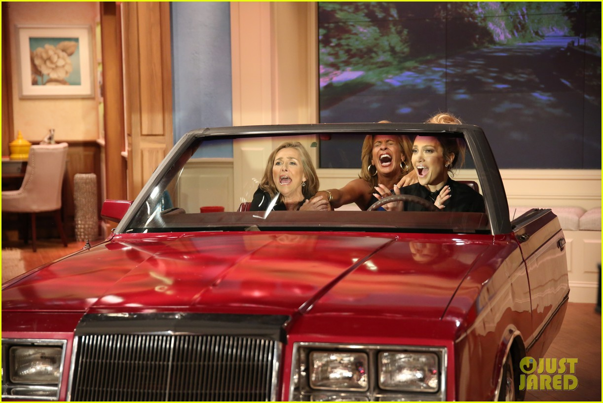 jennifer lopez plays caraoke with meredith vieira 073189463