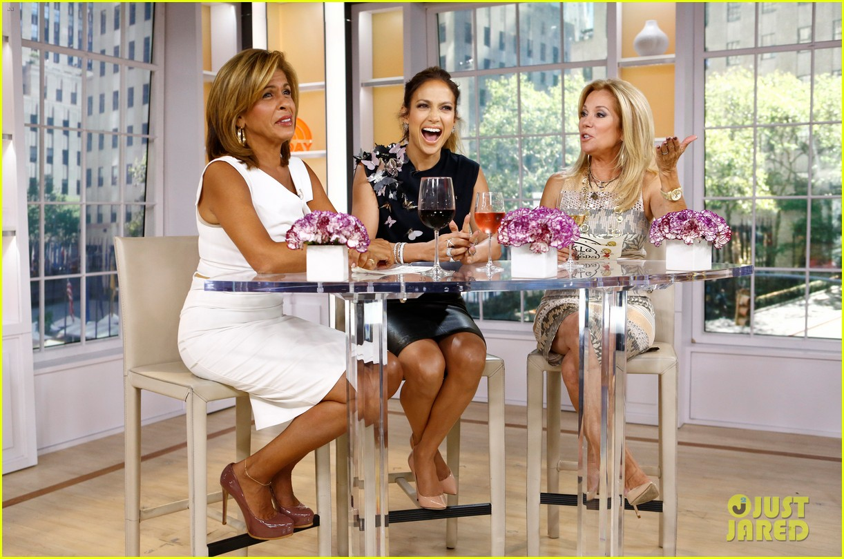 jennifer lopez plays caraoke with meredith vieira 083189464