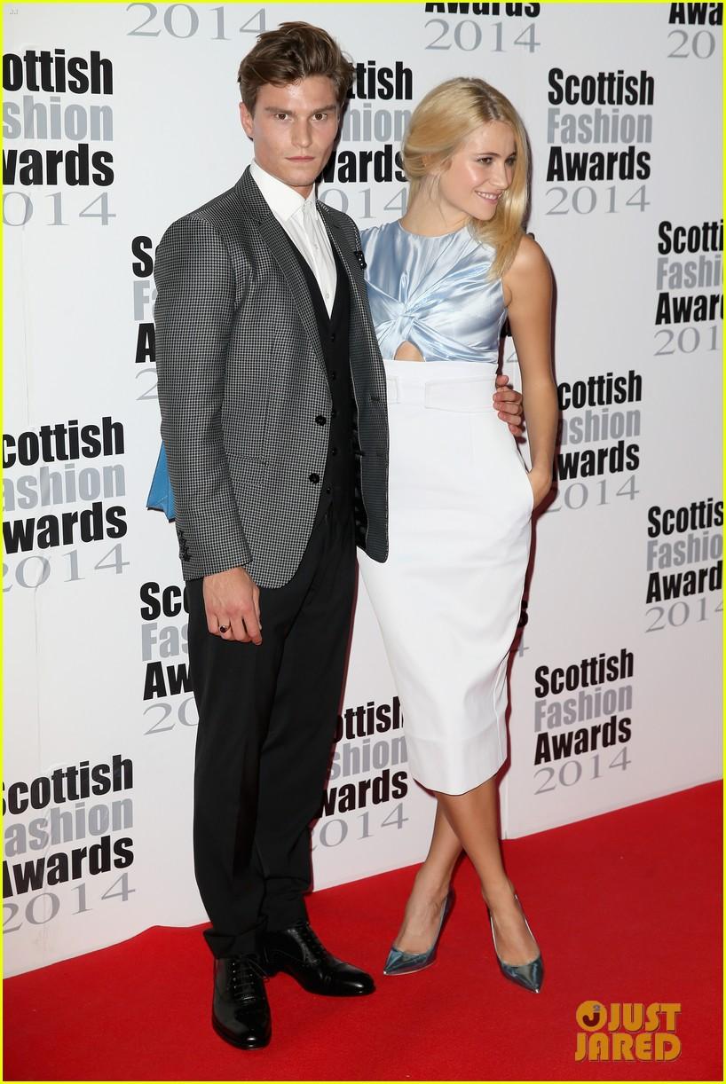 pixie lott oliver chesire scottish fashion awards 053187579