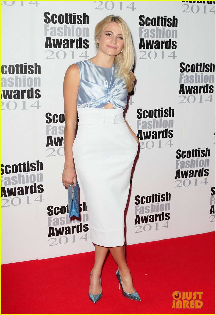 pixie lott oliver chesire scottish fashion awards 083187582