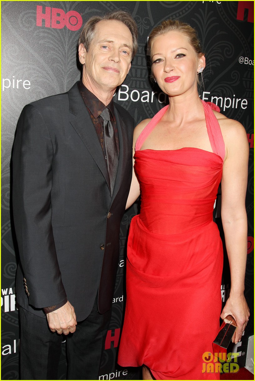kelly macdonald gretchen mol are classy ladies at boardwalk empire 043188987