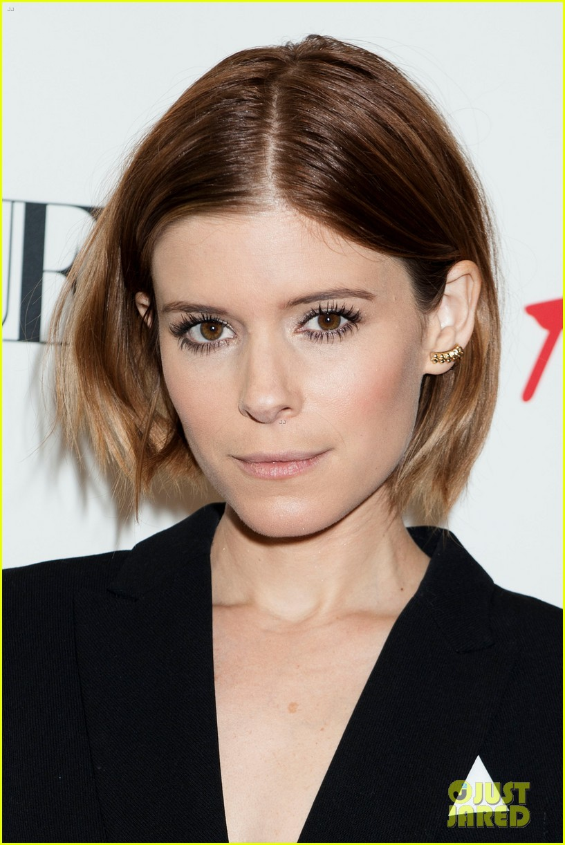 kate mara johnny wujek hm window unveiling 073189424