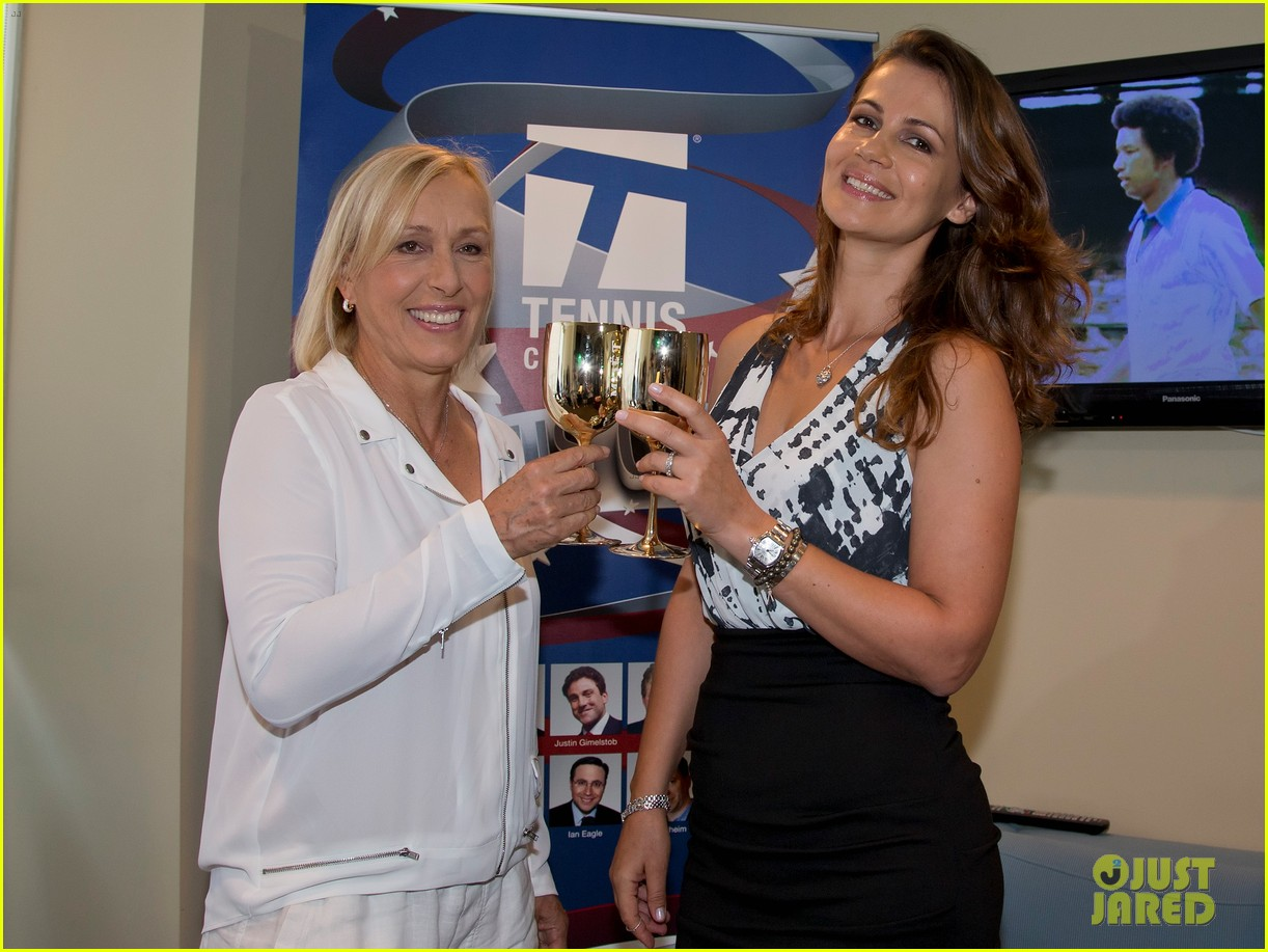 martina navratilova proposes to girlfriend julia lemigova us open 023190884