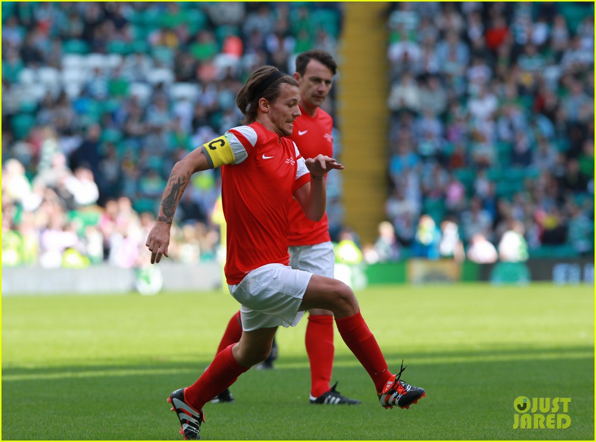 Louis Tomlinson   James McAvoy Play Soccer for Charity!  Photo ... 043409a09