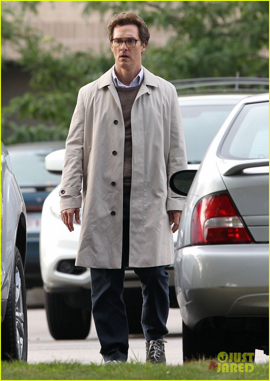 matthew mcconaughey goes for a glasses look for sea of trees 013188429
