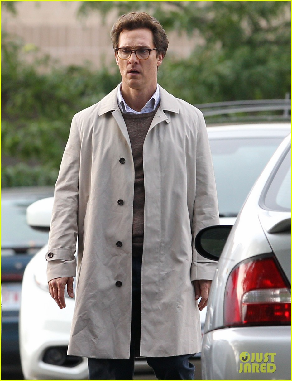 matthew mcconaughey goes for a glasses look for sea of trees 063188434