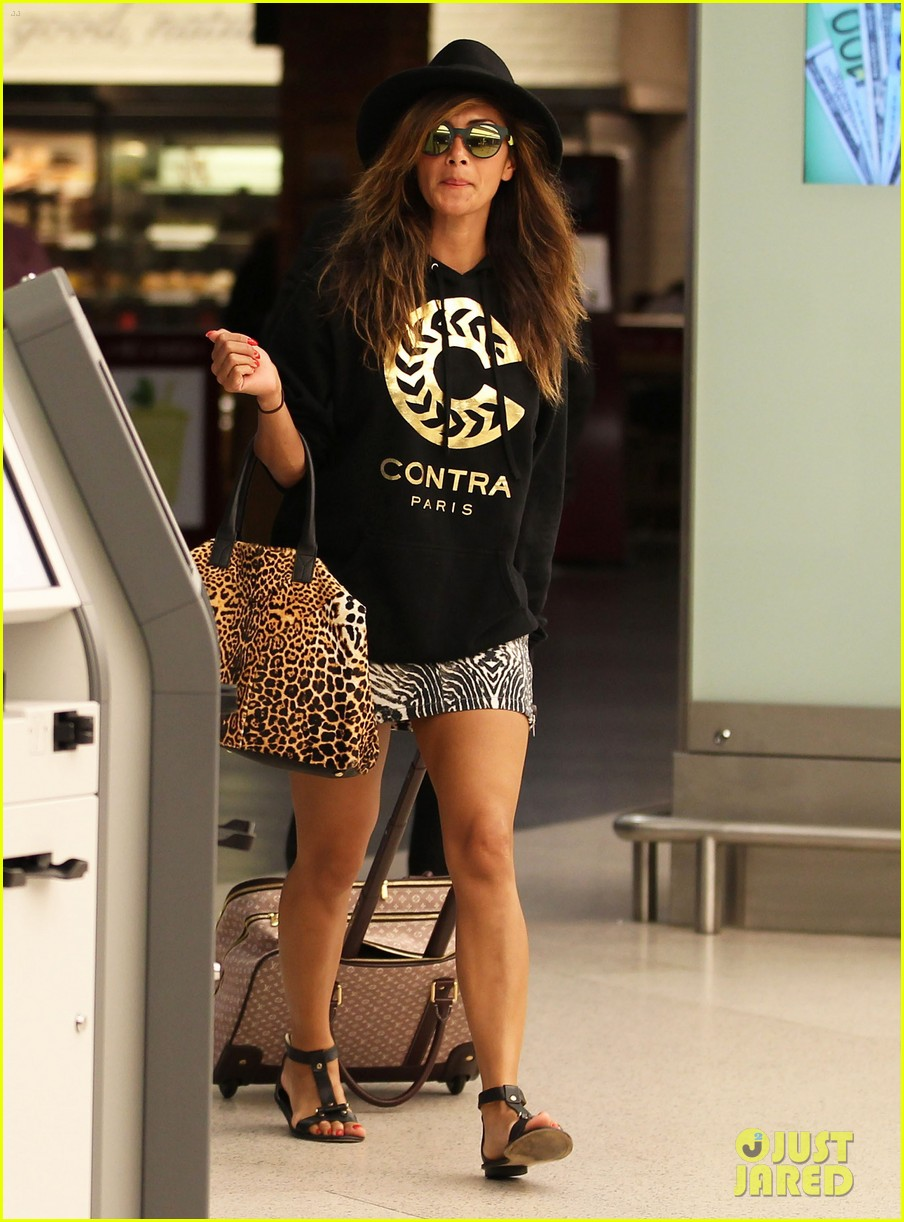 nicole scherzinger leaves ibiza after showing off her fabulous bikini body 06