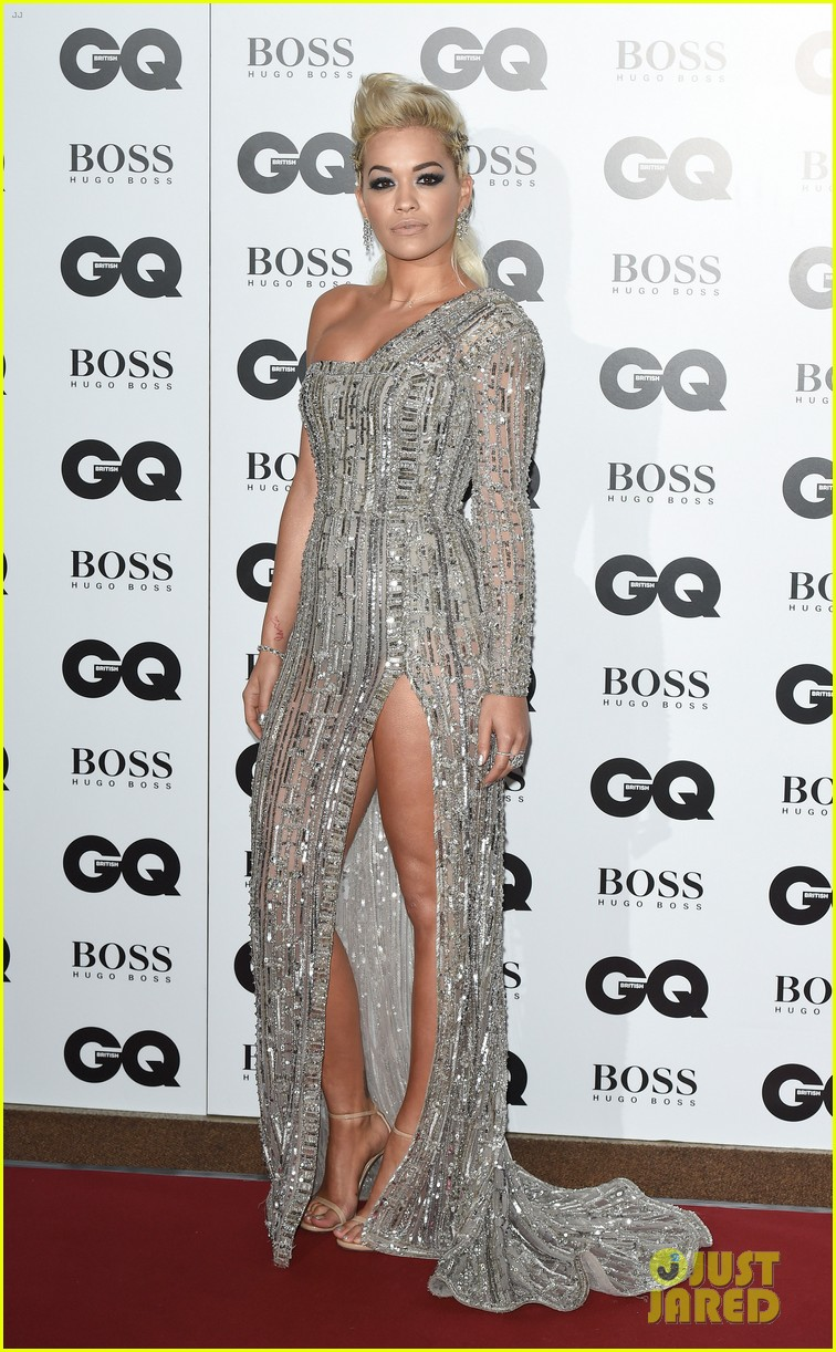 rita ora cara delevingne gq men of the year awards 01