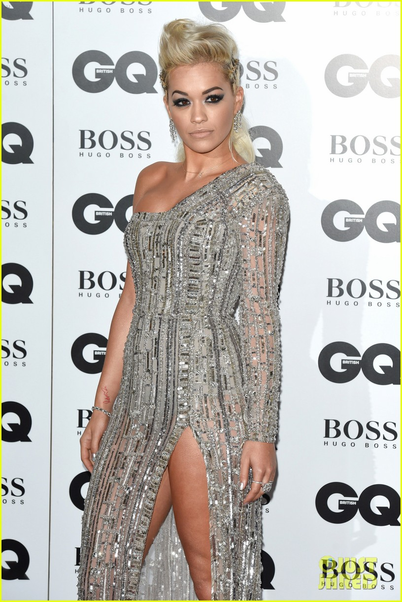 rita ora cara delevingne gq men of the year awards 063188011