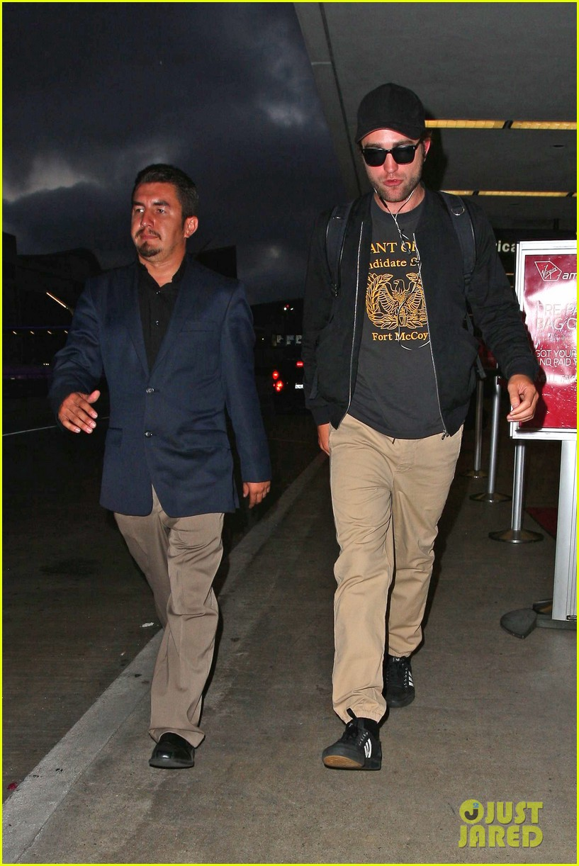 robert pattinson heads to la amid fka twigs dating rumors 073188917